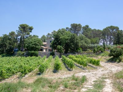 Photo for Authentic farmhouse in Saint Remy de Provence