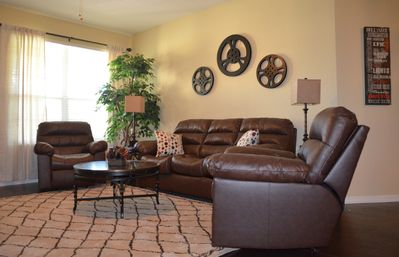 Photo for Vacation Like A Movie Star! Upscale condo in Vista Cay. Universal/Disney/Conv Ct