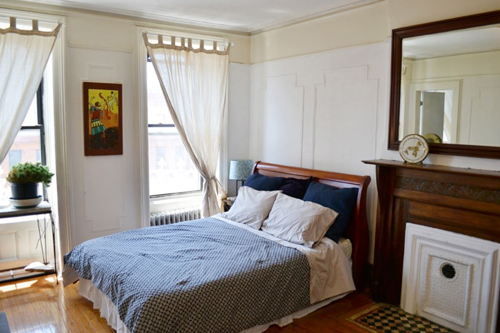 Large Sunny 2 Bedroom Brownstone Apartment in Charming Brooklyn ...
