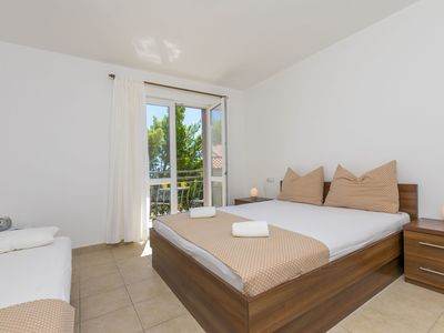 Photo for Apartments Lavanda (38481-A2) - Brela