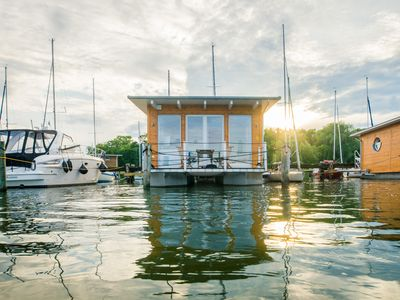 "Photo for Exclusive holiday experience right on the water in the ""Comfort Houseboat II"""