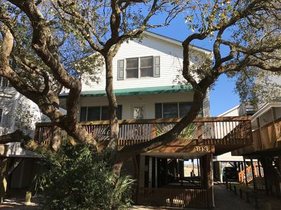 Photo for INCLUDES OCEANFRONT CHAIRS/UMBRELLA, LINEN/TOWELS  ****NEW STAINLESS KITCHEN****