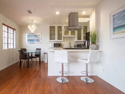 Photo for 2 Bdrm Apartment In Santa Monica