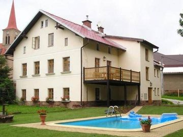 Detached house for 10 people with a private swimming pool, between Trutnov and Vrchlabi