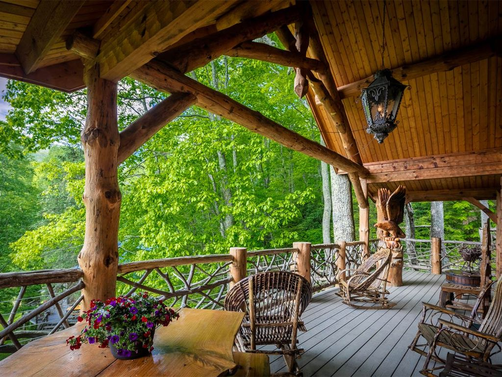 2017 01 tree house rentals in north carolina - The Eagle Eye Cabin Porch With Lots Of Space For Outdoor Dining Or Relaxation