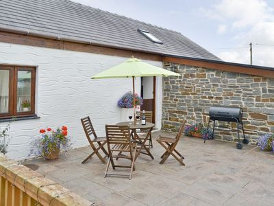 Photo for 2 bedroom property in Carmarthen. Pet friendly.