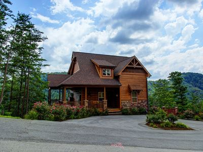 Photo for A View To Remember - 4 Bedrooms, 4 Baths, Sleeps 13