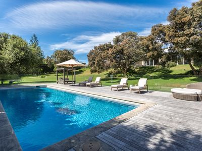 Photo for The Portsea Retreat: triple block, pool, tennis crt