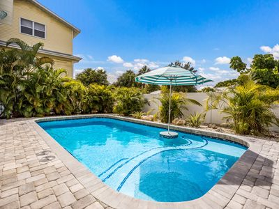 Photo for Pelican Place: Close To Beach, Heated Pool, Games, Beautiful North End Location