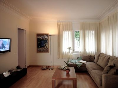 Photo for Güell Park  apartment in Sarria-Sant Gervasi with WiFi, air conditioning & lift.