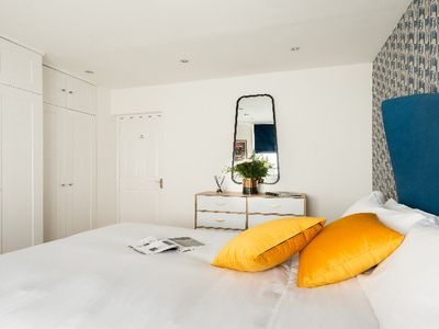 Photo for The Stirling Court - Modern & Bright 1BDR in Covent Garden