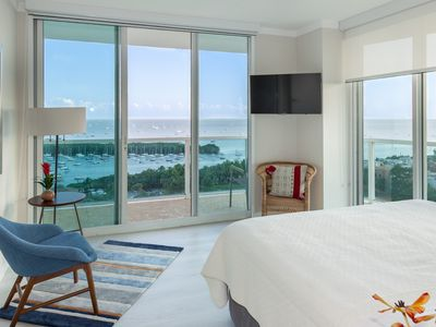 OVERLOOKING THE OCEAN FROM ALL ANGLES! ULTRA LUXURY FREE: PARK, POOL