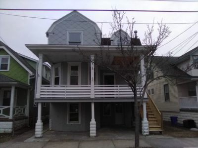 Photo for Recently Renovated Victorian House Close to Beach