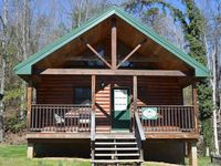 Conveniently located to Gatlinburg downtown, spacious cabin, very clean and comfortable.