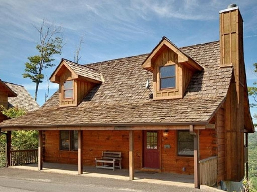 The Classic Mountain Cabin Experience! Includes a Hot Tub, Biltmore ...
