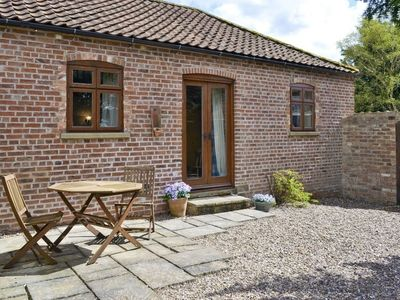 Photo for Cosy Cottage in Peaceful Lincolnshire countryside close to historic Lincoln