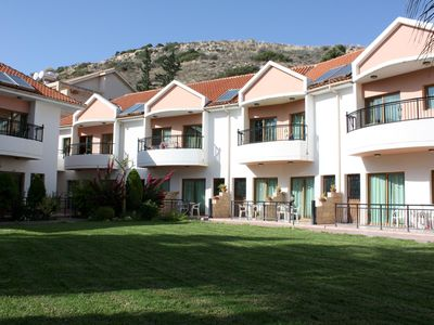 Photo for Apartment in a beautiful resort with pool directly on the beach, wifi | Limmassol, Cyprus
