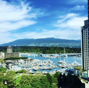 Photo for Luxury Coal Harbour 2 bed 2 bath w/ Stunning Views