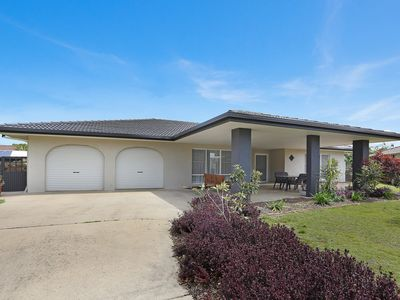 Photo for 7 Banksia Place - Spacious and family friendly