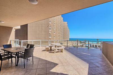 Low Floor Phase 1 Condo Huge Extended Patio 2 King Beds Bonus