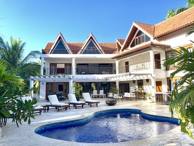 Photo for Very nice Open Tropical Villa | Swimming Pool | Hot Tub | Staff Included