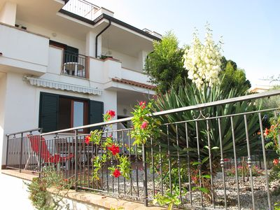 Photo for Casa Margherita 2 - semi-detached house with private garden and sea view