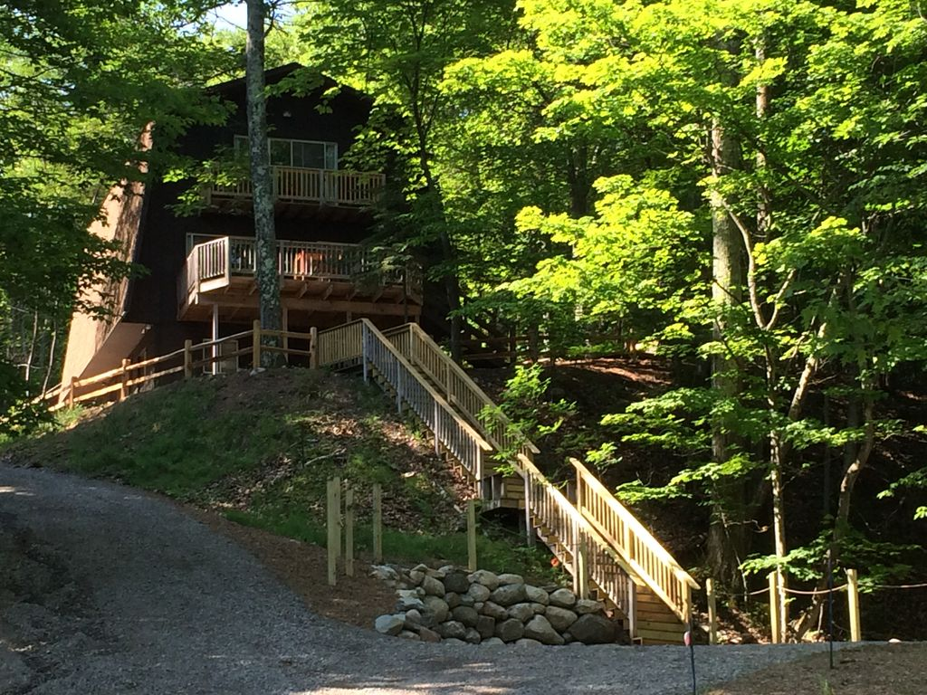 tunnel of trees bluff chalet with beach on homeaway