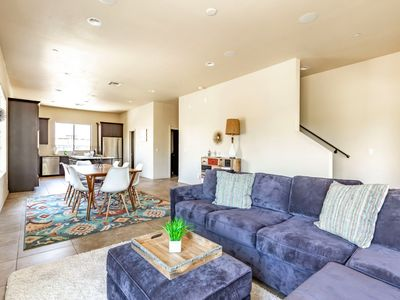 Photo for Amazing Townhome 5 mins to Old Town! Private Balcony with views of Camelback Mountain!