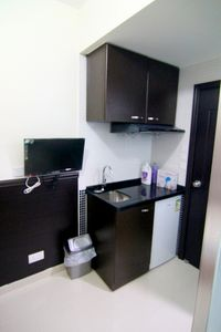 Well-equip room + kitchen, MTR B
