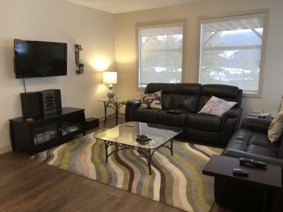 Great Room with comfy reclining sofa chairs