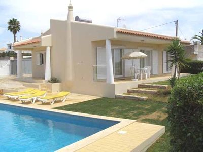 Photo for V2-story house, the 800mts Castelo Beach, Air Conditioning in rooms
