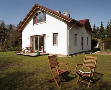 Photo for Idyllic holiday home close to the large sandy beach