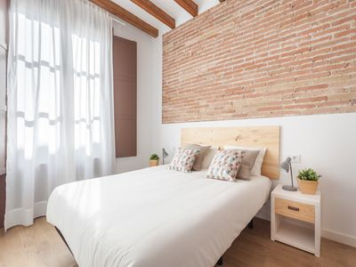 Photo for Lovely apartment for long-term rentals near las Ramblas in the centre for 4