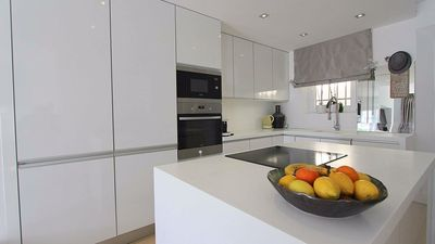 Photo for Modernised 2 bed 2.5 bathroom townhouse