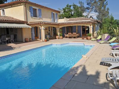 Photo for Provencal villa with private pool and stunning views of the vineyards and the village Carcès