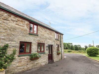 Photo for OAK COTTAGE, pet friendly in Newcastle Emlyn , Ref 943683