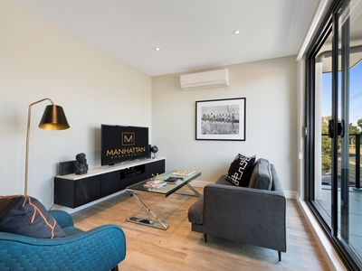 Photo for Manhattan Apt Notting Hill 2 Bed Standard