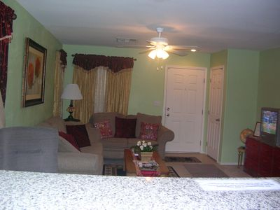 Beautiful 5 Bedroom Vacation House 10 mins from Strip