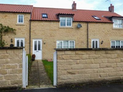 Photo for 8 POTTERGATE MEWS, family friendly in Helmsley, Ref 956799