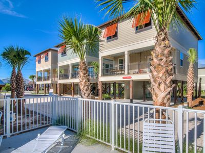 Photo for Stunning modern cottage, WALK to  beach/Hangout!  POOL!  GRILL! PARKING