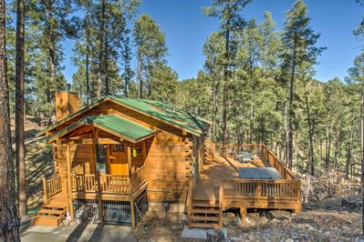 Book your Ruidoso escape to 'The Lincoln Cabin' an updated 2-bed, 2-bath house!