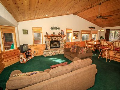 Photo for House in the center of Big Bear with Parking, Balcony (983494)