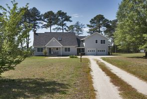Photo for 3BR House Vacation Rental in Gloucester, Virginia