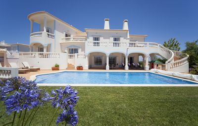 Photo for Deluxe Villa With Pool, Golf Course Views, Games Room, WIFI.