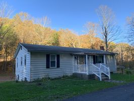 Photo for 3BR House Vacation Rental in Manns Choice, Pennsylvania