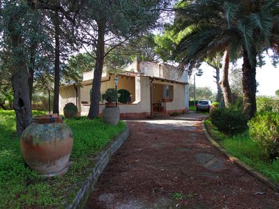 Photo for Independent Country-Style Villa immersed in a peaceful Garden, near the Beach