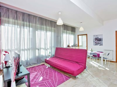 Photo for A bright and fresh two-bedroom apartment for up to six people, near the Vittorio Emanuele and the st