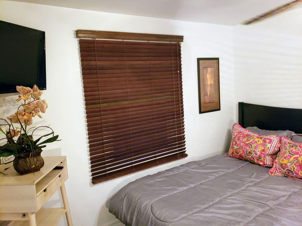 Wheelchair Family & Groups Friendly Accessible Los Angeles Sleeps 8 by LAX