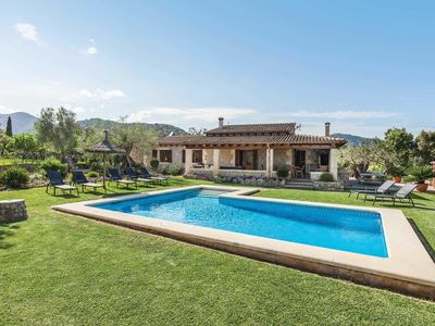 Photo for Villa w/ 4 air-conditioned bedrooms, pool, BBQ + table tennis, close to golf course