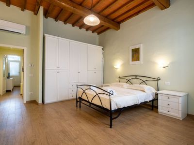 Photo for A welcoming apartment in the heart of the Oltrarno